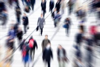 Rechtsanwältin Jehrke – Menschen zur Hauptverkehrszeit